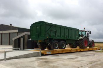 Surface Mounted Weighbridge with tractor
